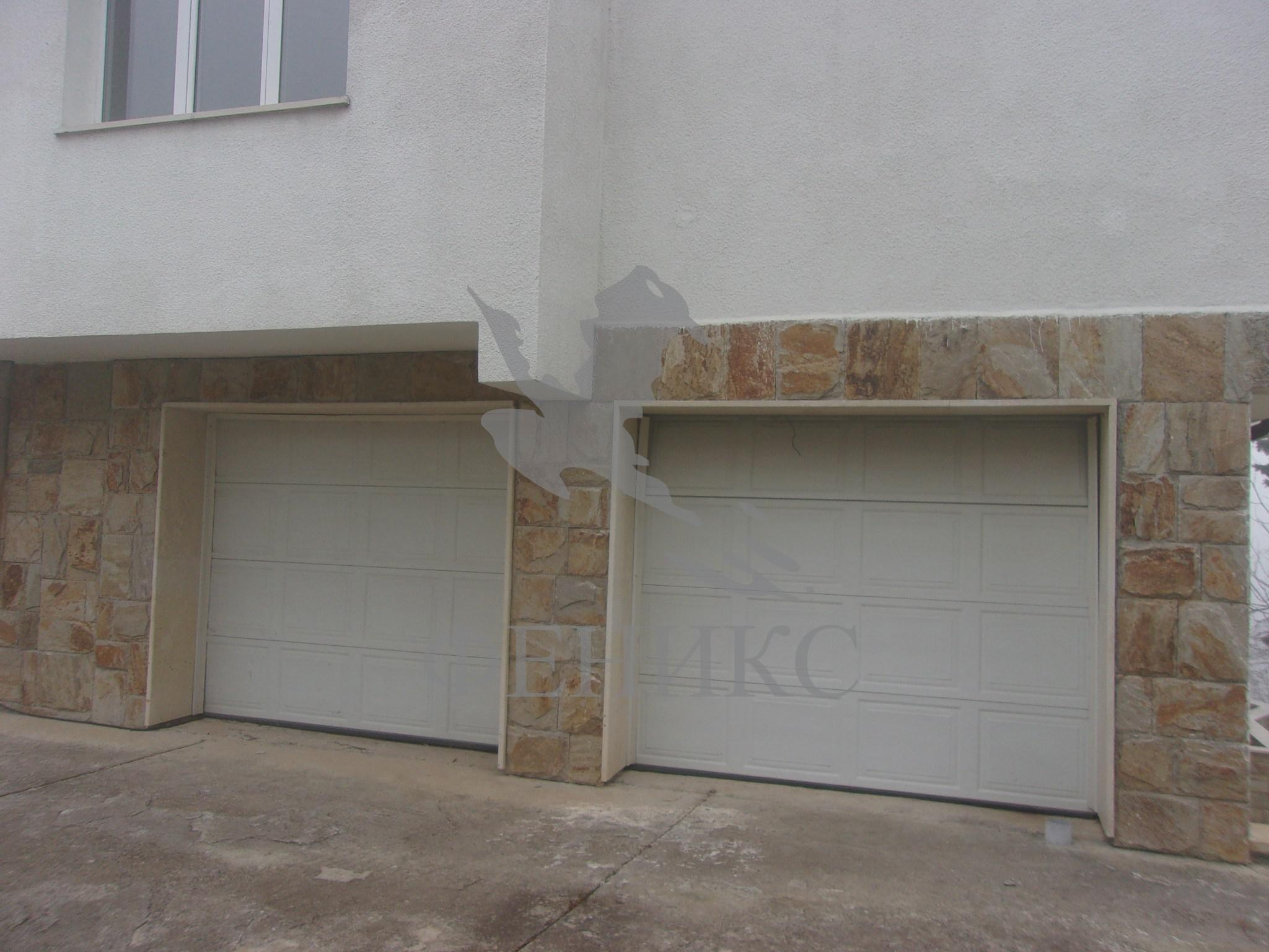 Location: Malinova Dolina; Price: 450 000 U20ac; Area: 813 M2; Plot Area: 995 M2;  Floors: 4 / 4; Construction Type: Тухла; Year Of Built: 2000